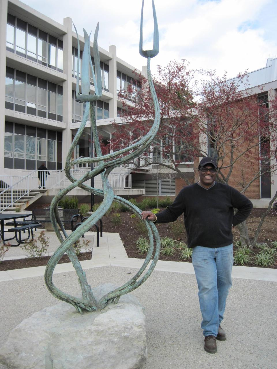 Barney Bright Sculpture with Gary Bibbs